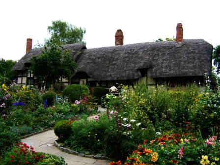 Anne Hathaway Cottage Garden