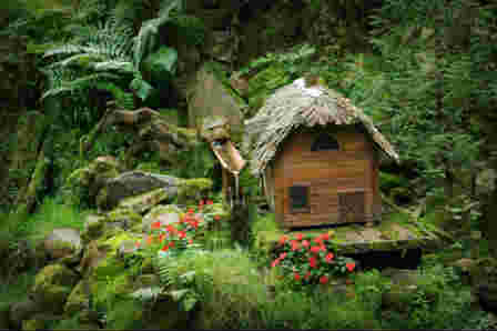 Miniature House Used An Outdoor Garden Decoratio