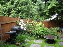 small garden design demonstrating planting in levels
