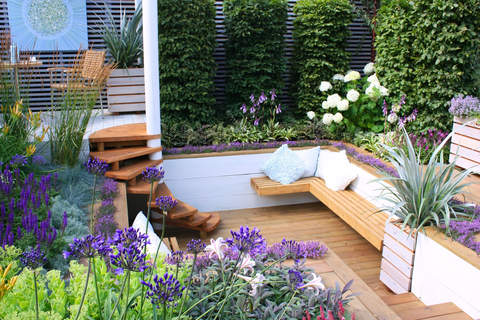 An Example Of Creating Outdoor Privacy In A Small Garde