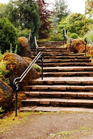 principles of design - alternating rhythm in garden stairs
