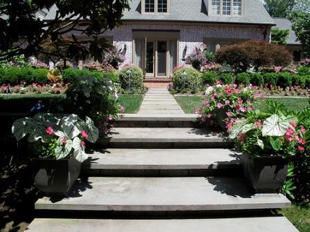 an example of symmetrical balance in the garden