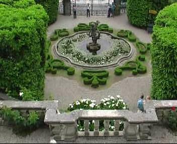 radial symmetry in the garden at Villa Carlotta